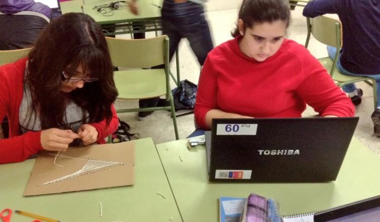 Alumnado trabajando en el proyecto iTEC