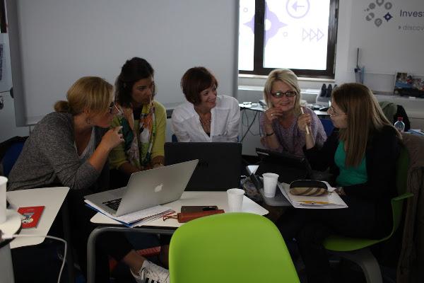 Trabajando en grupo durante el taller SEN