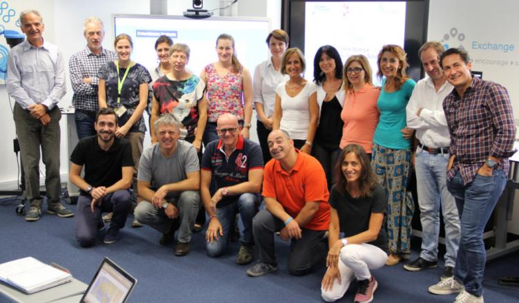 Foto de grupo del taller STEM