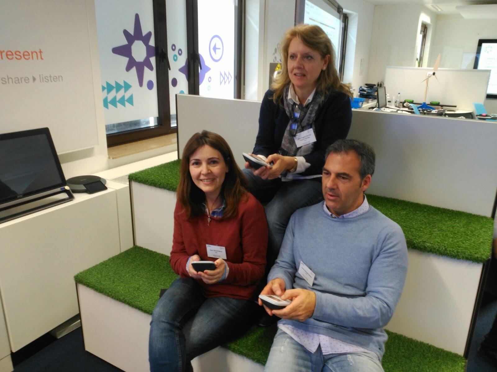 Los tres participantes españoles en el taller