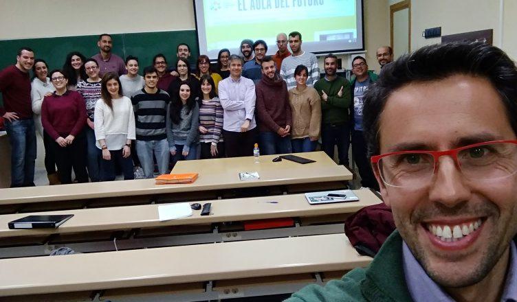 Foto de grupo con el embajador en la UEX