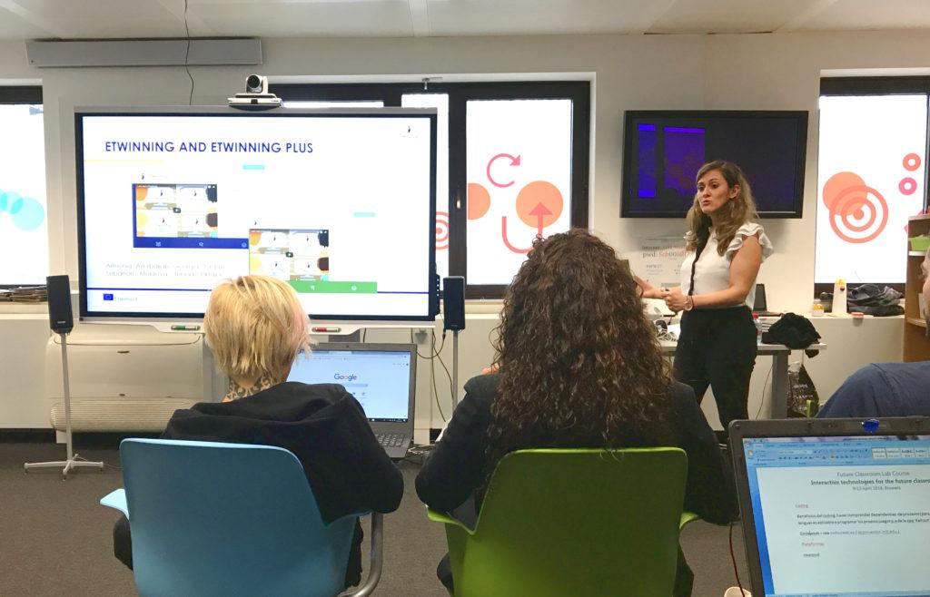 Irene Pateraki presentando la iniciativa eTwinning
