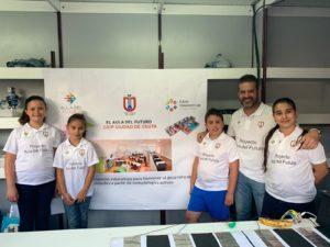 Representantes de alumnos y alumnas junto al Embajador local del Aula del Futuro, Francisco Gómez.